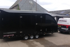 Brian James RT6 trailer in black.